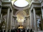 Inauntru la Panteon (vedere spre fostul altar)